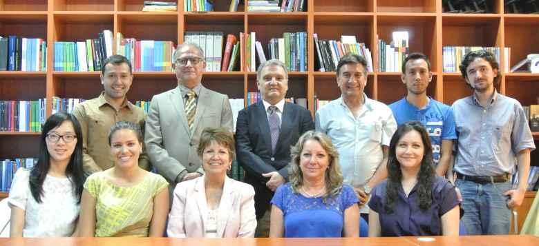 La delegación de Posgrado con el equipo del CEM-UNAM-CHINA